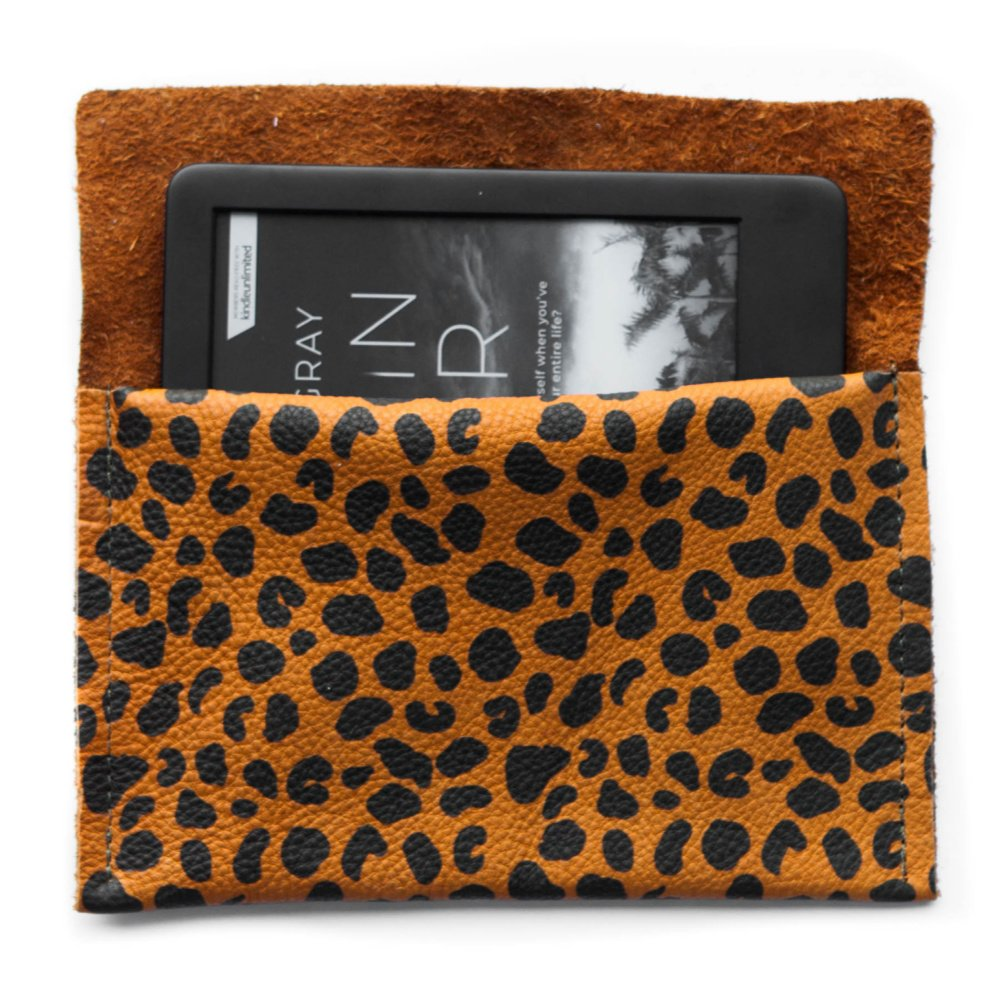 Kindle Pouch Leopard Cinnamon